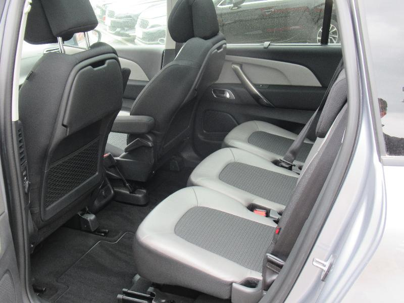 Photo 7 de l'offre de CITROEN Grand C4 SpaceTourer PureTech 130ch S&S Shine à 23990€ chez Citroen Saint-Brieuc Savra
