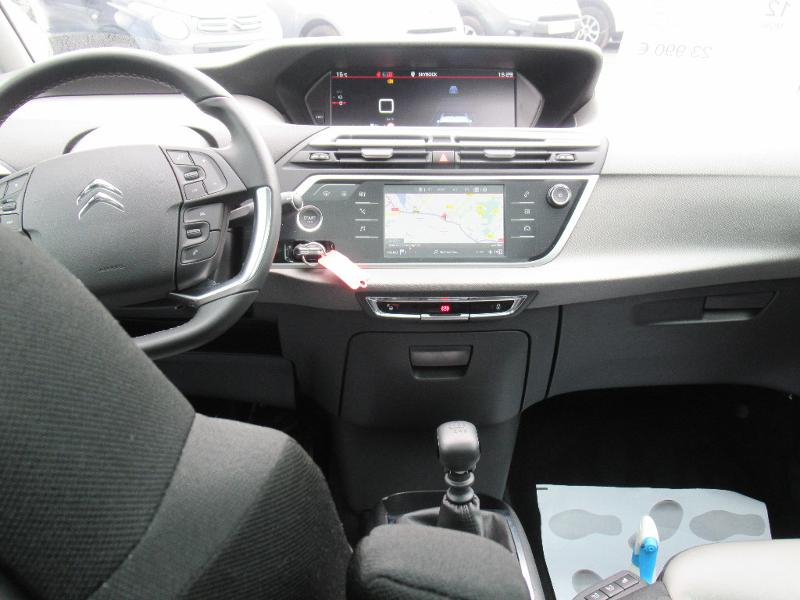 Photo 8 de l'offre de CITROEN Grand C4 SpaceTourer PureTech 130ch S&S Shine à 23990€ chez Citroen Saint-Brieuc Savra